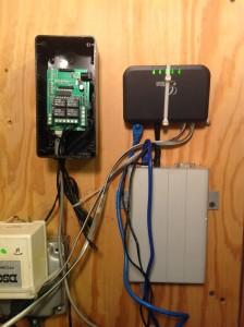 Alix board, Arduino UNO with Seeed Studio Relay Shield, Grandstream ATA and AC Power.